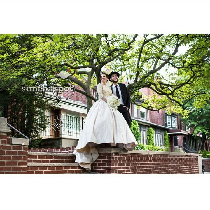 wedding of getzy and mushka raskin photo by chana blumes